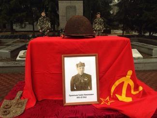 Орловские поисковики передали останки красноармейца Прокопьева Семена Николаевича для захоронения на родине