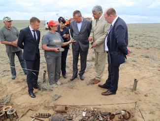 Астраханские поисковики обнаружили останки двух солдат в ходе учебно-поисковой экспедиции в Республике Калмыкия