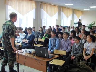 В День Героев Отечества поисковики Тюменской области организовали тематическую выставку и ретрофотосессию