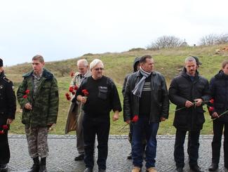 В Севастополе в День Неизвестного солдата прошла встреча поисковиков на мемориальном комплексе «35-ая береговая батарея»