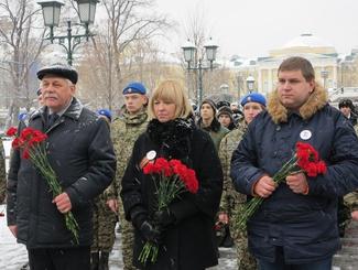 Активисты «Поискового движения России» и ВПЦ «Вымпел» возложили цветы к Могиле Неизвестного солдата в Москве