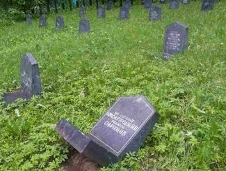 Акт вандализма на Воинском кладбище в Ярославской области: комментарий Елены Цунаевой
