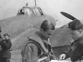 Восстановлена история  экипажа найденного на озере Вельё советского Пе-2