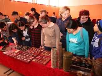 Астраханские поисковики провели встречу с учащимися Камызякского сельскохозяйственного колледжа