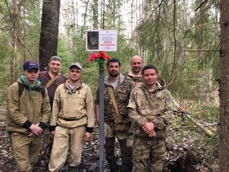 Поисковики «Долины» приводят в порядок братские воинские захоронения и устанавливают мемориальные и памятные знаки