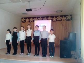 Астраханские поисковики рассказали младшеклассникам о поисковой работе в День Неизвестного Солдата