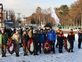 На Сахалине отметили День Неизвестного солдата митингом у Вечного огня