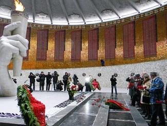 Волгоград отмечает 71-ю годовщину Победы в Сталинградской битве
