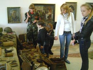 Поисковики Оренбурга организовали выставку поисковых находок в рамках акции «Ночь музеев»