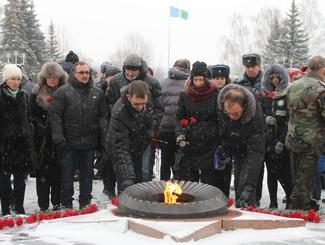 В городе Нижнекамск Республики Татарстан состоялся торжественный митинг в честь Дня Неизвестного солдата