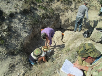 Севастопольские поисковики подняли останки двоих защитников Отечества на Сапун-горе
