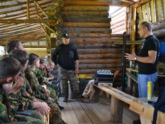 Вологодские поисковики рассказали о своей работе ребятам из областного военно-патриотического лагеря
