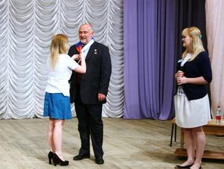 Герой России А.Романов стал почетным «орленком» на открытии поисковой смены