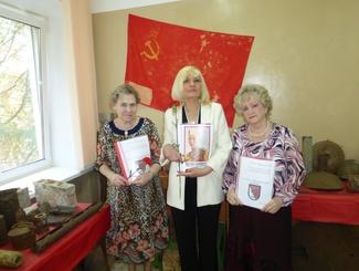 Ивановские поисковики вручили архивные документы семьям троих бойцов, которых родные считали пропавшими без вести