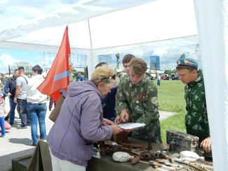 Сбор заявок на установление судеб защитников Отечества организовали самарские поисковики на фестивале «РОССИЯ, XX век»