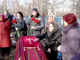 Поисковики сопроводили останки красноармейца для захоронения на родине в Бийске