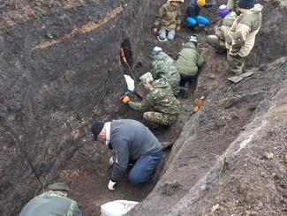 Курские поисковики подняли останки 132 советских солдат